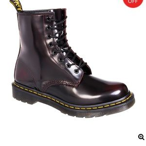 NWOT Dr. Martens Arcadia boots